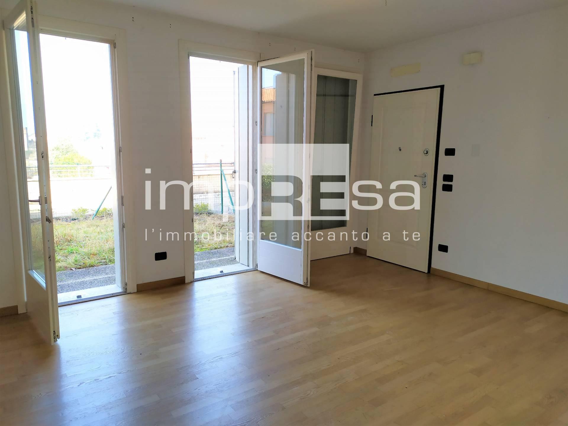 Appartamento in vendita a Susegana, 3 locali, zona Zona: Collalto, prezzo € 100.000   CambioCasa.it
