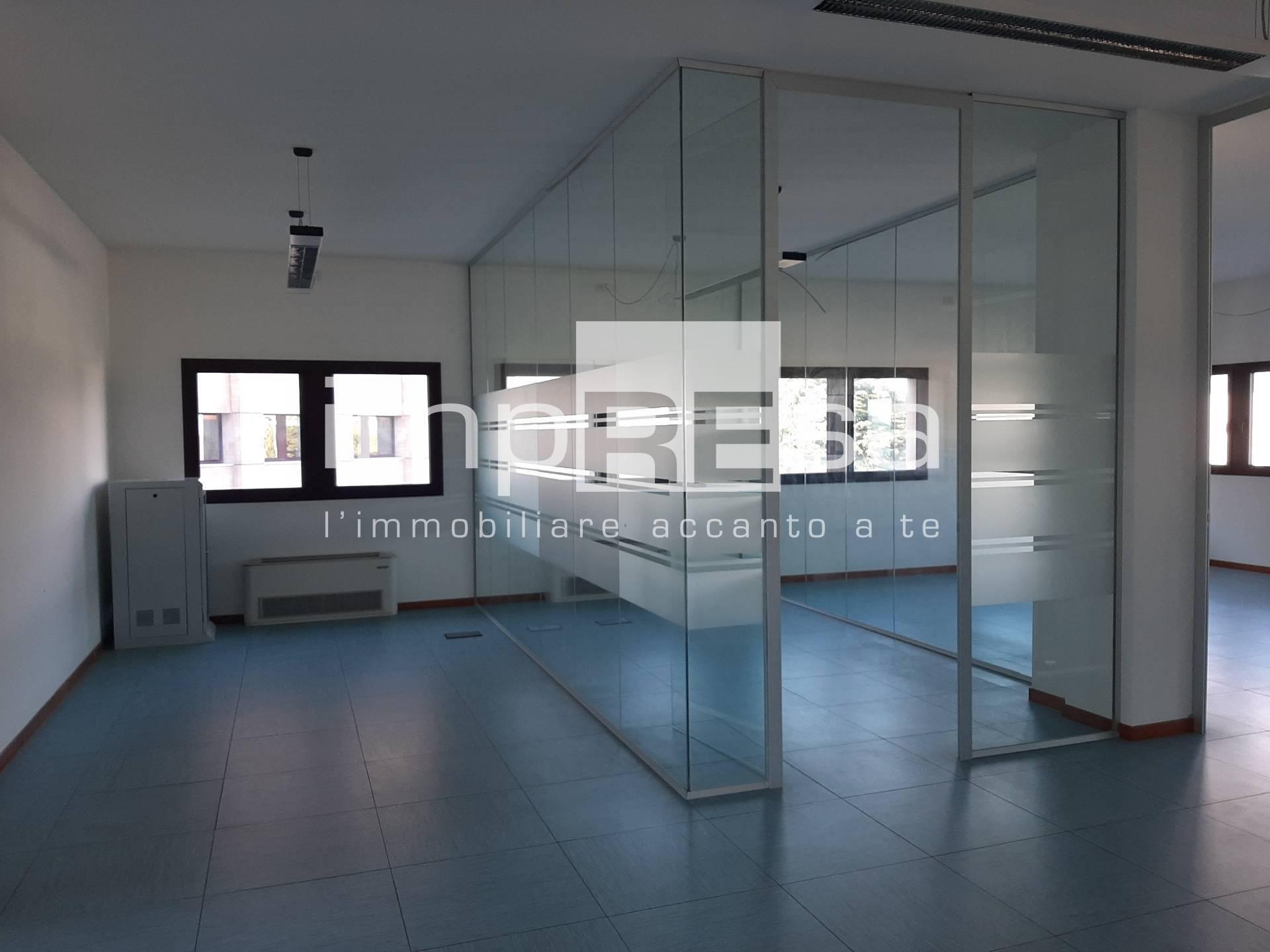 Ufficio / Studio in affitto a Treviso, 9999 locali, zona Zona: Castellana, prezzo € 1.500 | CambioCasa.it