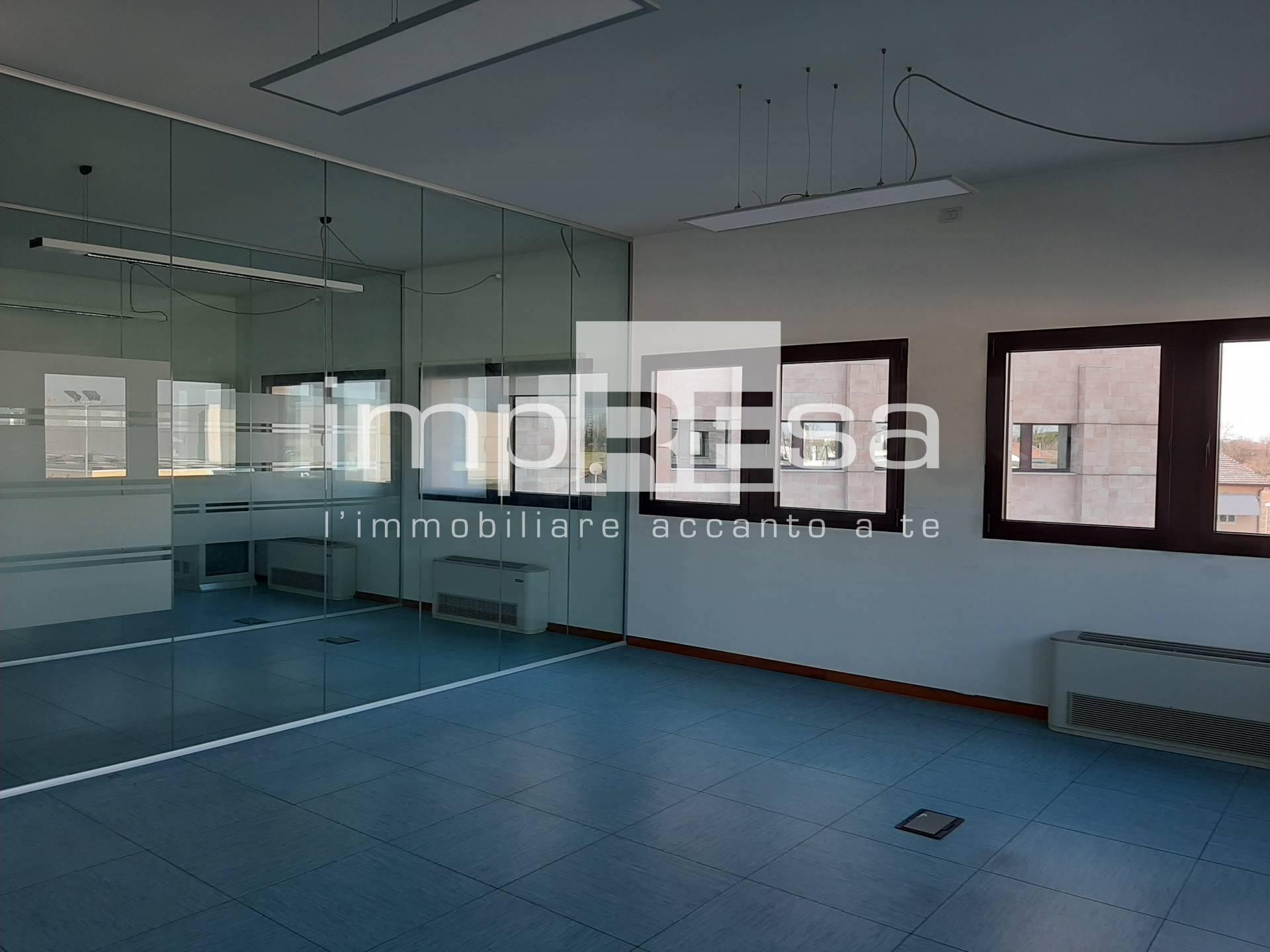 Ufficio / Studio in affitto a Treviso, 9999 locali, zona Zona: Castellana, prezzo € 1.000 | CambioCasa.it