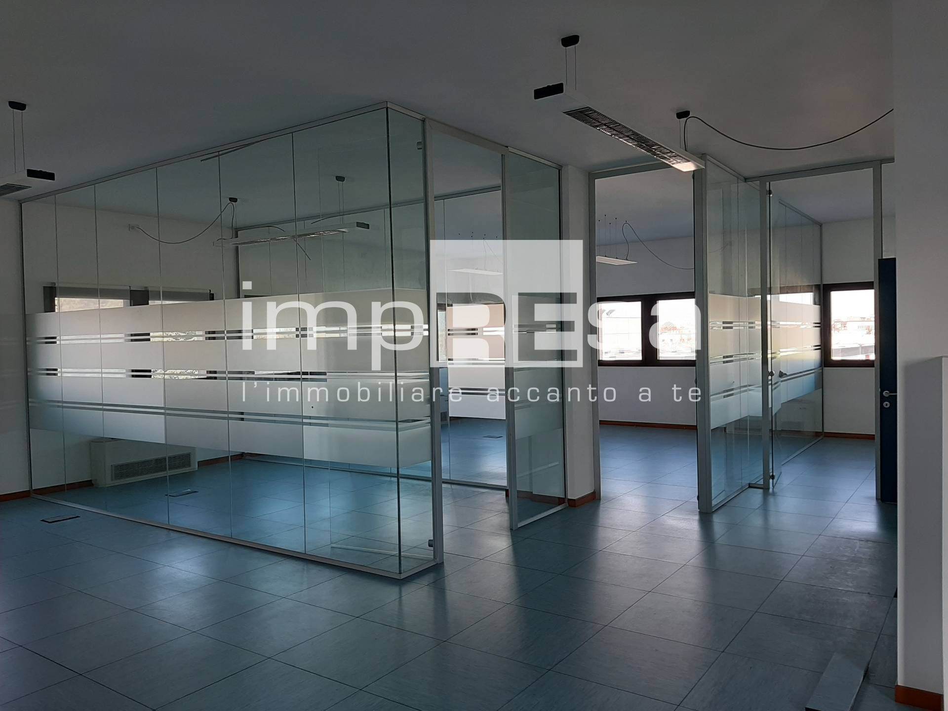 Ufficio / Studio in affitto a Treviso, 9999 locali, zona Zona: Castellana, prezzo € 2.000 | CambioCasa.it