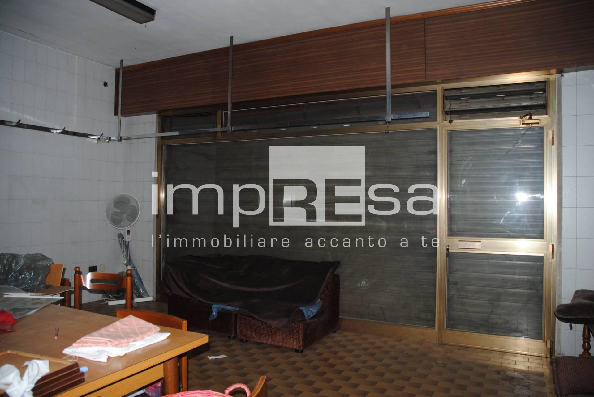 Negozio / Locale in vendita a Trebaseleghe, 9999 locali, zona Località: S.Ambrogio, prezzo € 25.000   CambioCasa.it