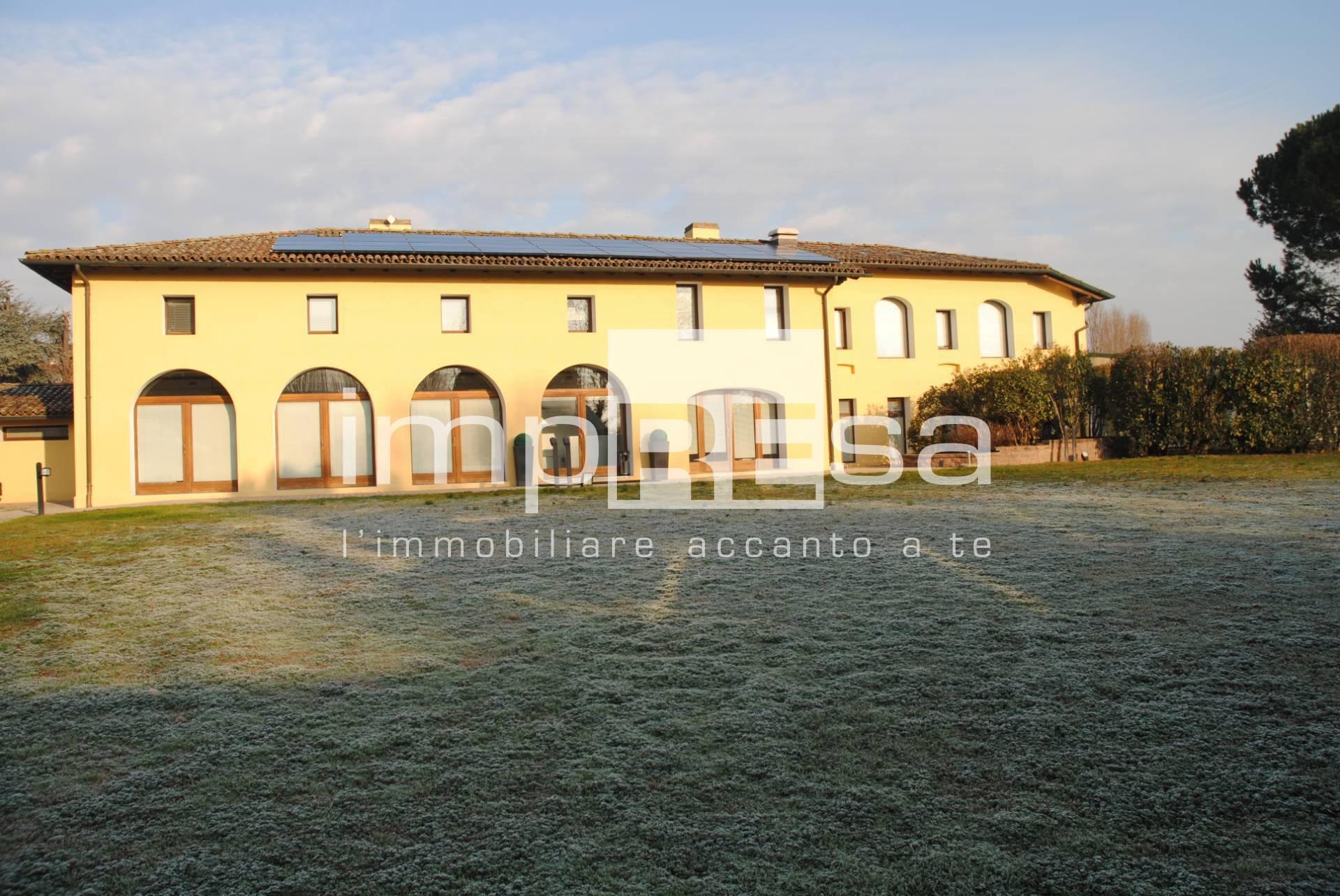 VILLA in Vendita a Mogliano Veneto (TREVISO)