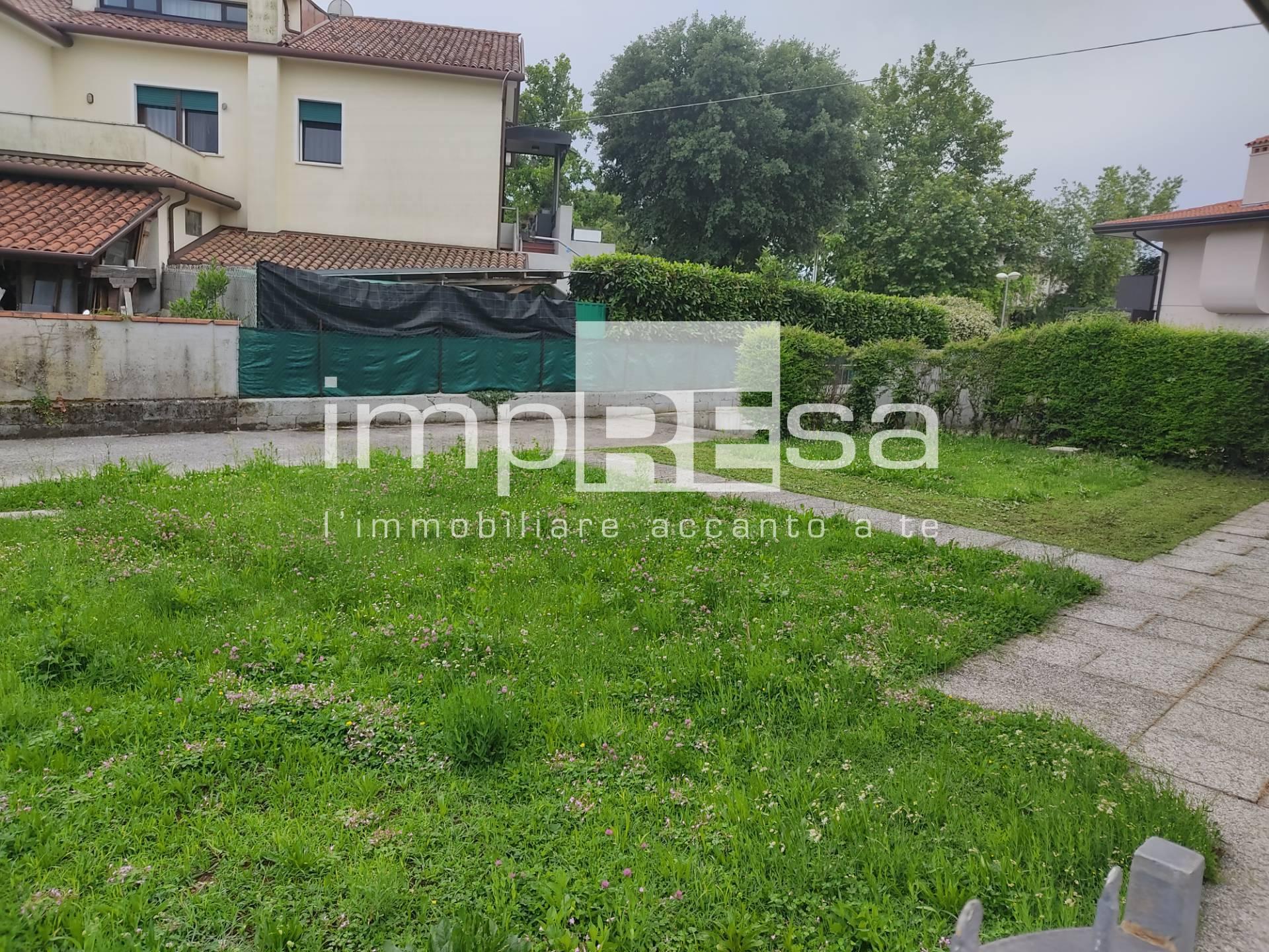 Appartamento in vendita a Istrana, 6 locali, prezzo € 119.000 | PortaleAgenzieImmobiliari.it