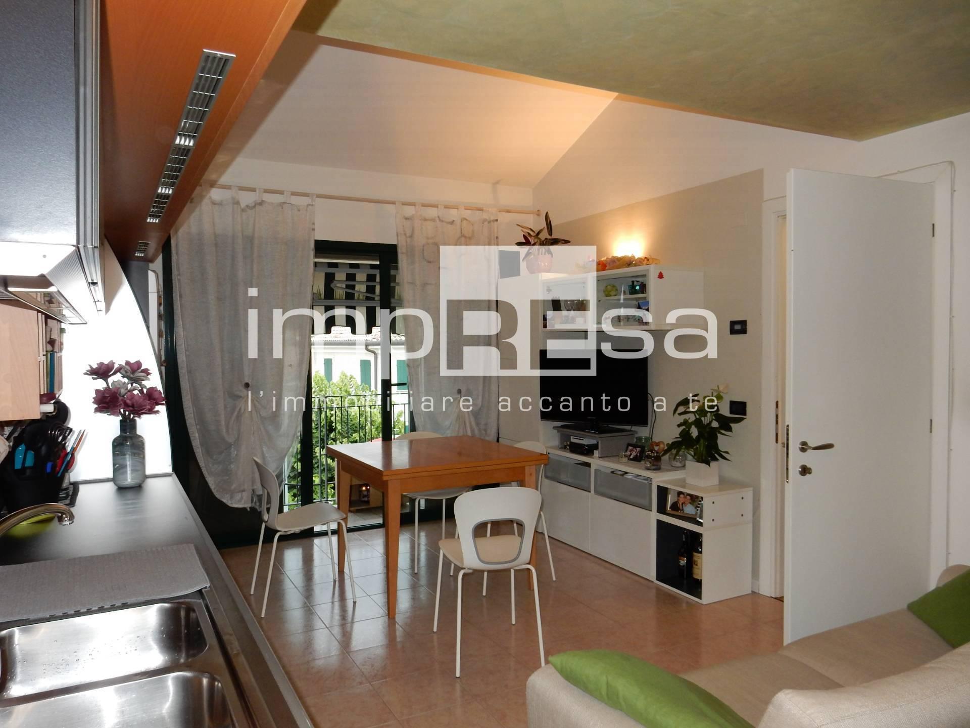 Appartamento in vendita a Volpago del Montello, 2 locali, prezzo € 75.000 | CambioCasa.it