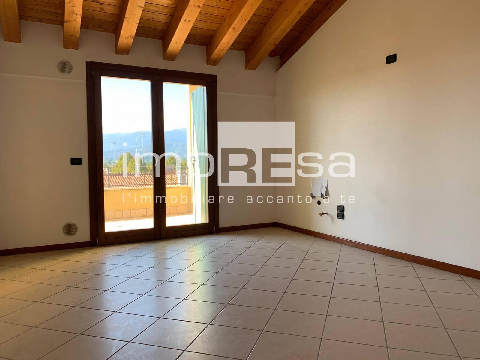 Appartamento in vendita a Cordignano, 4 locali, prezzo € 71.000 | CambioCasa.it