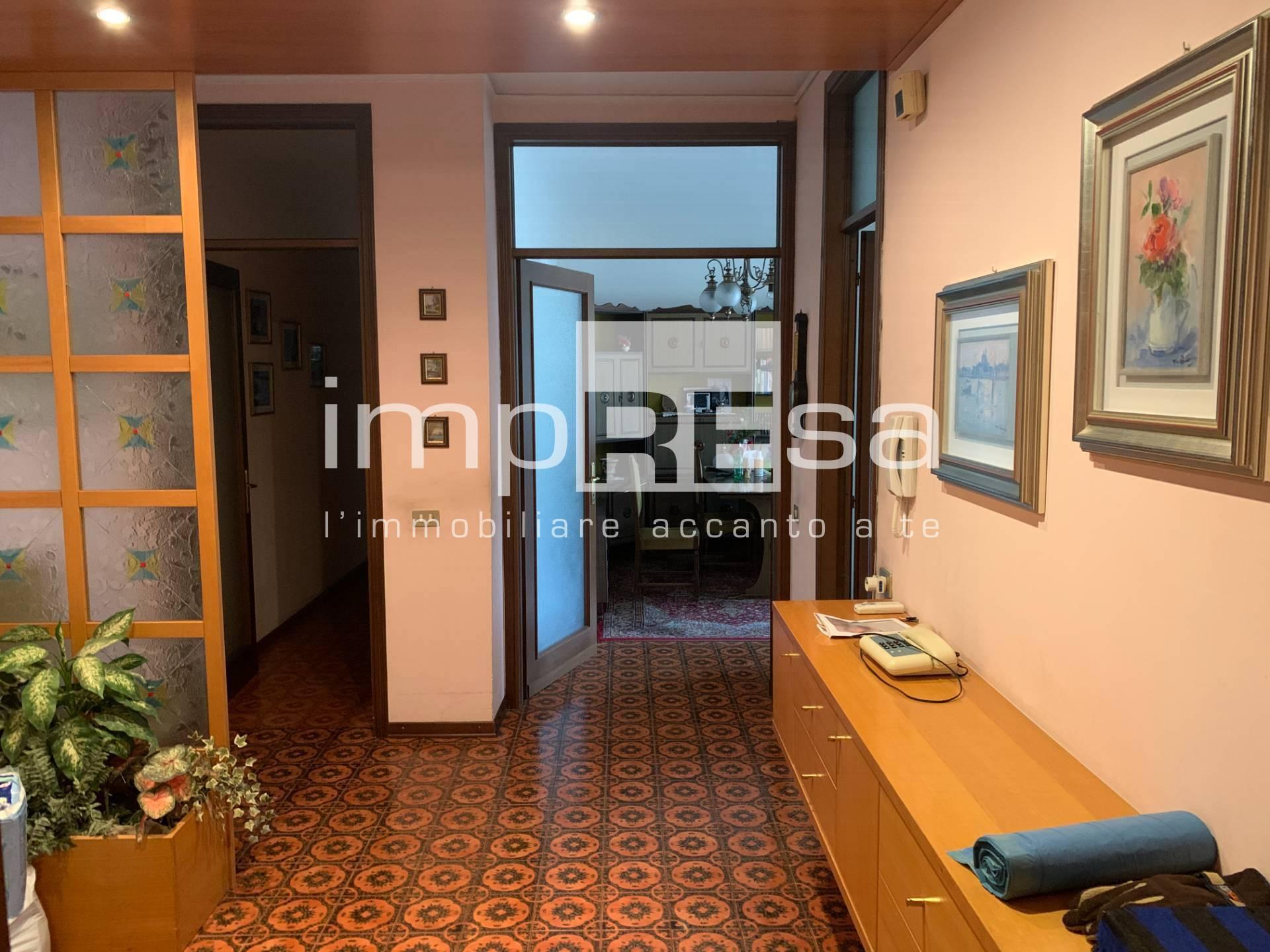 Appartamento in vendita a Conegliano, 4 locali, prezzo € 88.000   CambioCasa.it