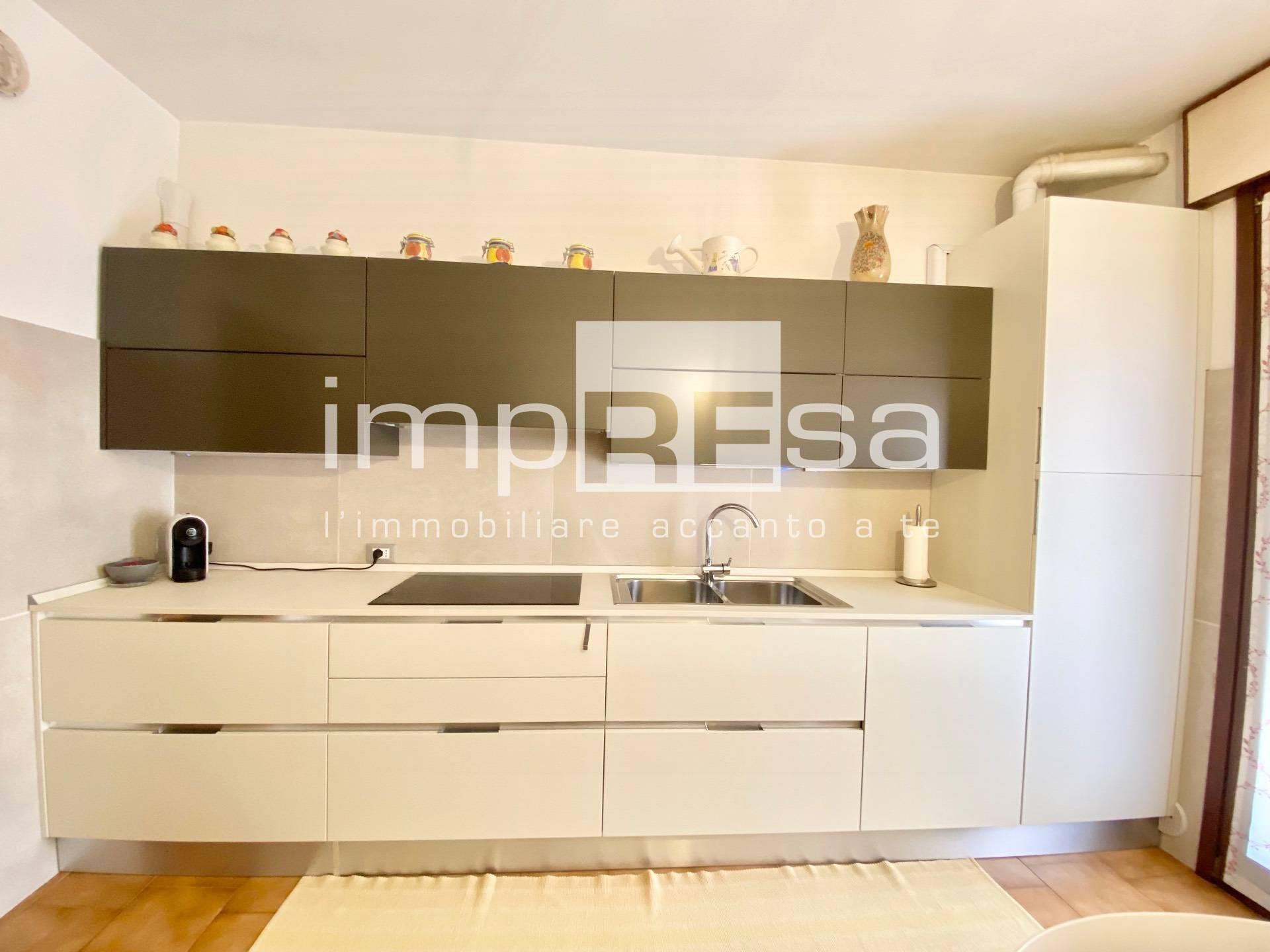 Appartamento in vendita a Spresiano, 7 locali, zona Zona: Visnadello, prezzo € 99.000 | CambioCasa.it