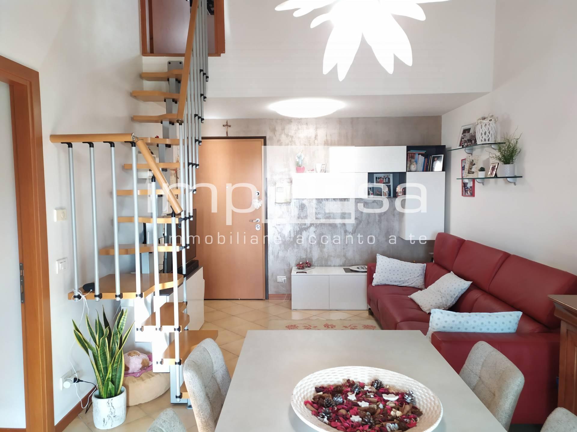 Appartamento in vendita a Santa Lucia di Piave, 4 locali, prezzo € 132.000 | CambioCasa.it