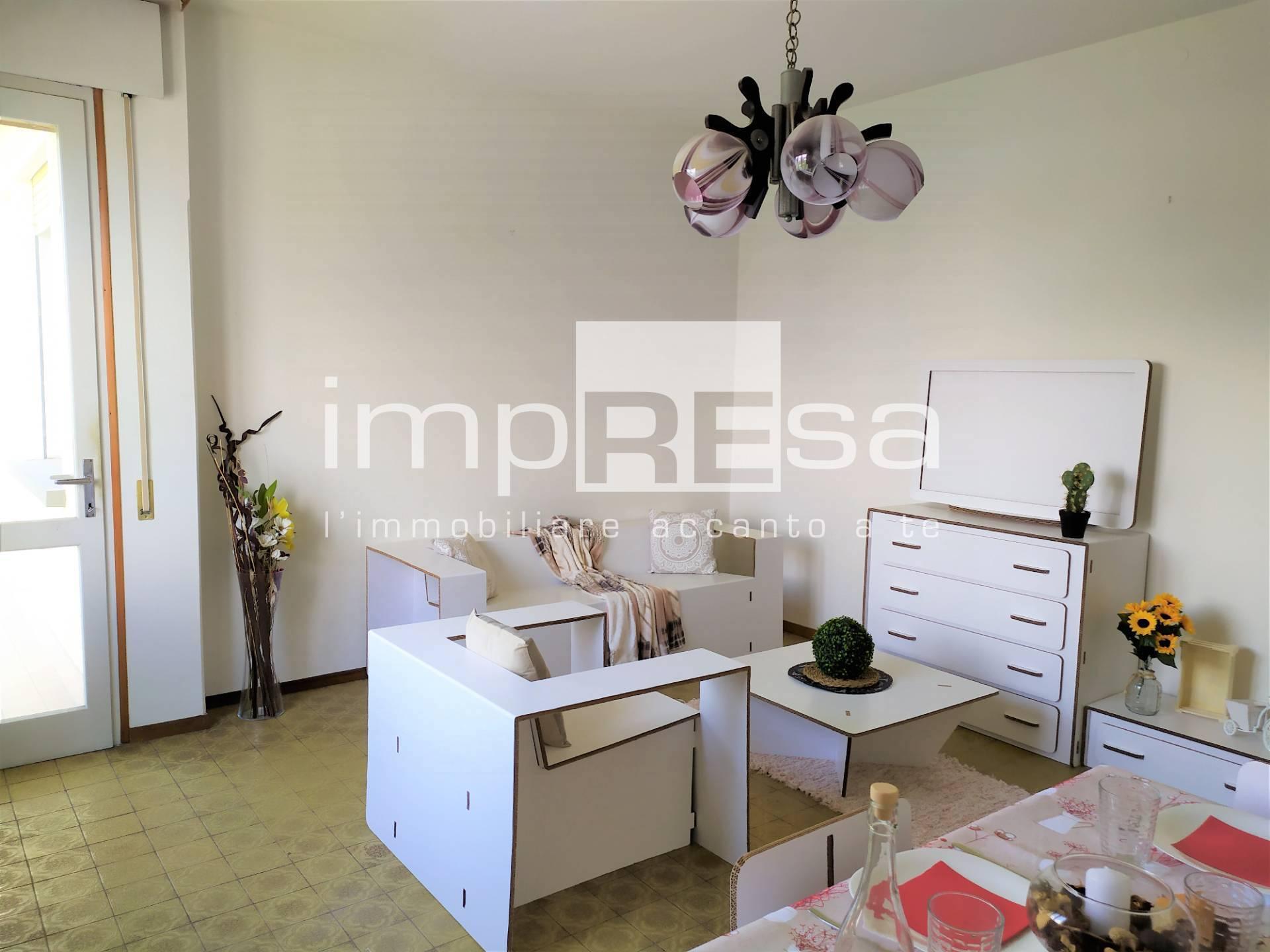 Appartamento in vendita a Conegliano, 5 locali, prezzo € 74.000   CambioCasa.it