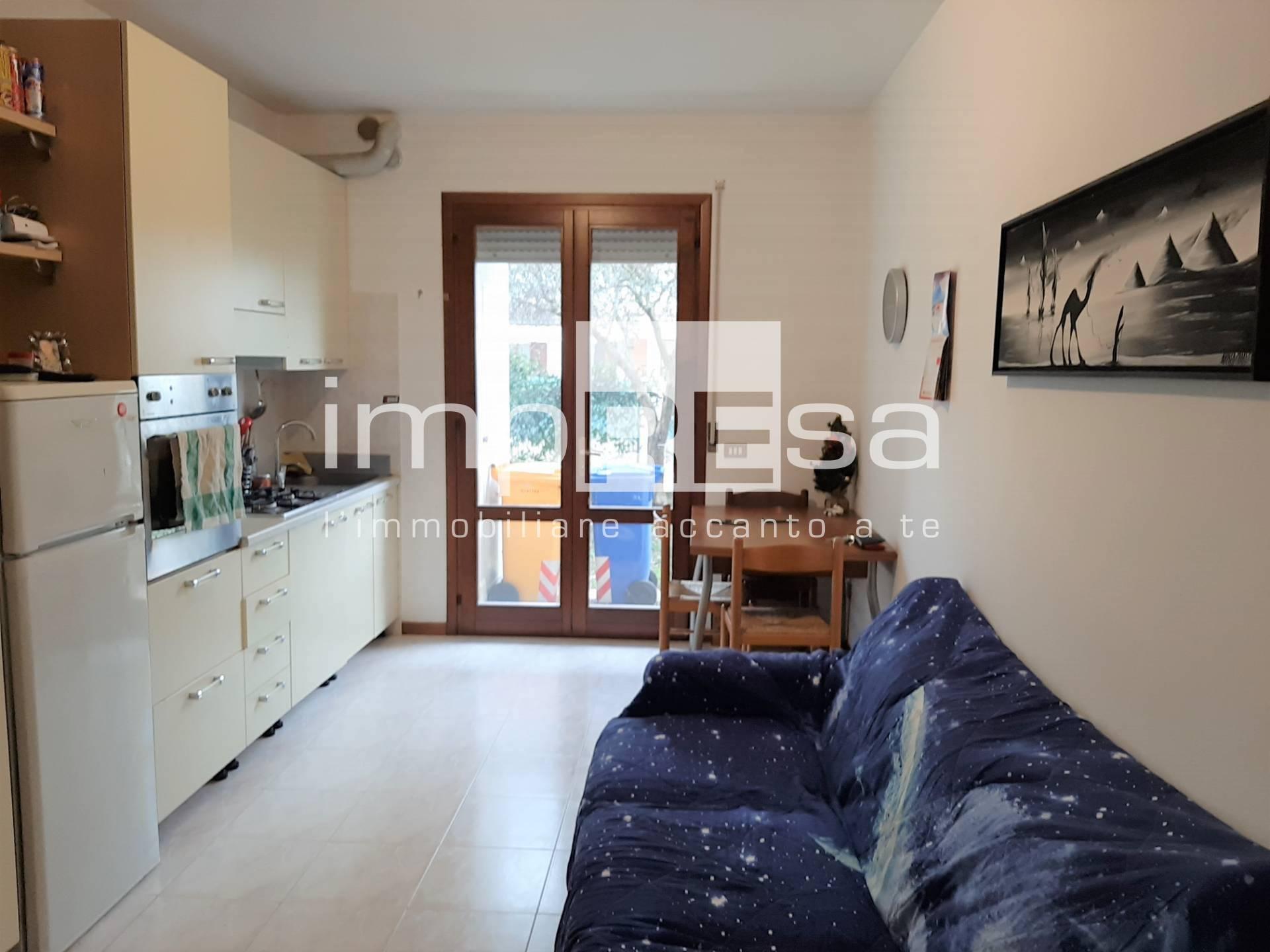 Appartamento in vendita a Paese, 2 locali, zona Località: Centro, prezzo € 65.000   CambioCasa.it