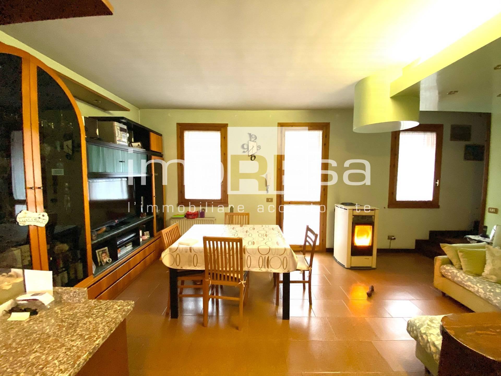 Villa a Schiera in vendita a Maserada sul Piave, 9 locali, zona Località: Maserada, prezzo € 155.000 | CambioCasa.it