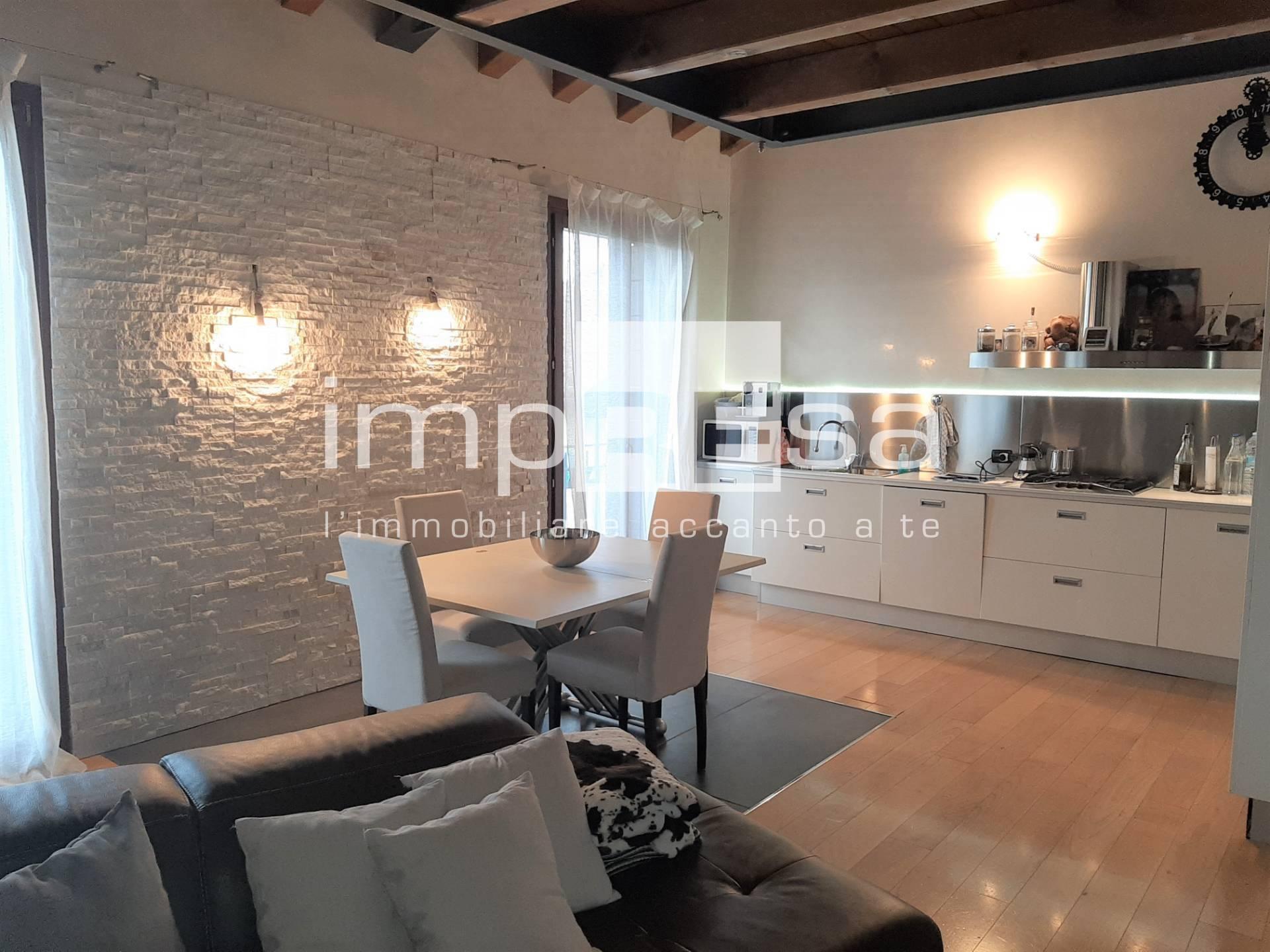 Appartamento in vendita a Spresiano, 4 locali, zona Zona: Visnadello, prezzo € 150.000 | CambioCasa.it