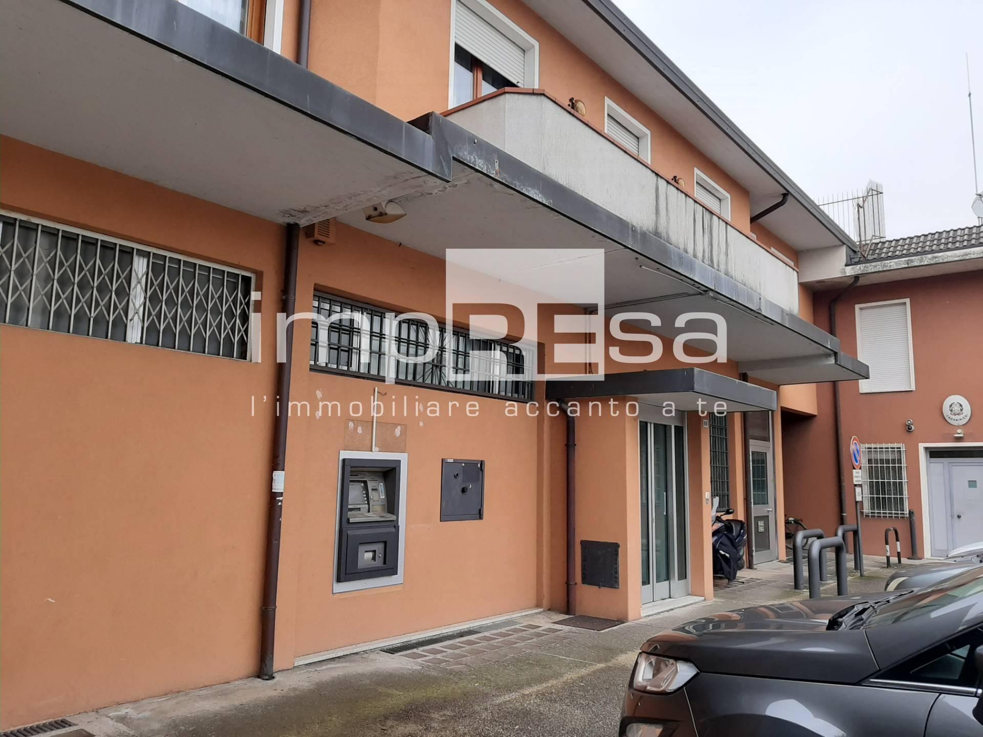 Ufficio / Studio in vendita a Istrana, 9999 locali, prezzo € 400.000 | CambioCasa.it