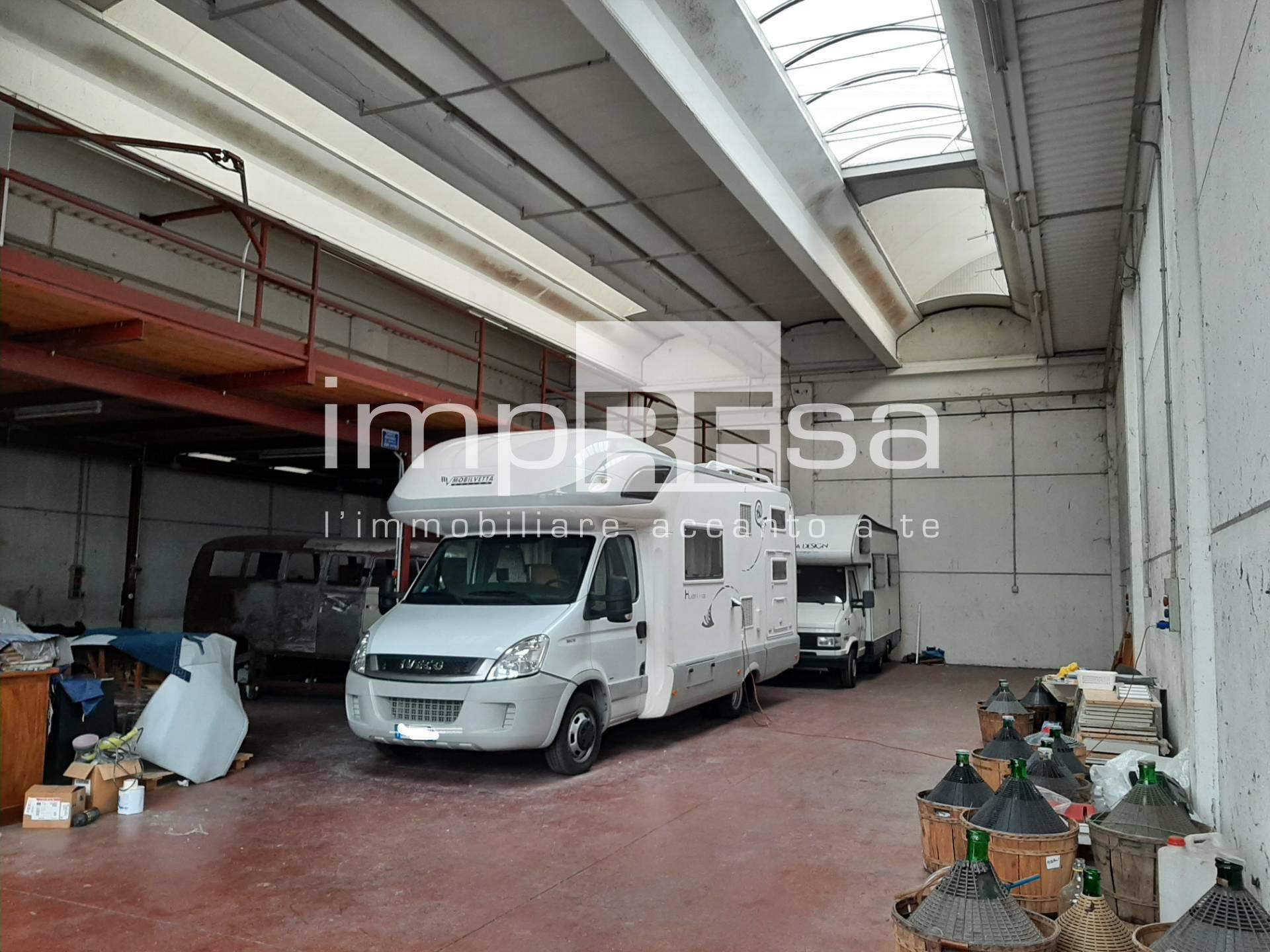Capannone in affitto a Maserada sul Piave, 9999 locali, zona Località: Maserada, prezzo € 950 | CambioCasa.it