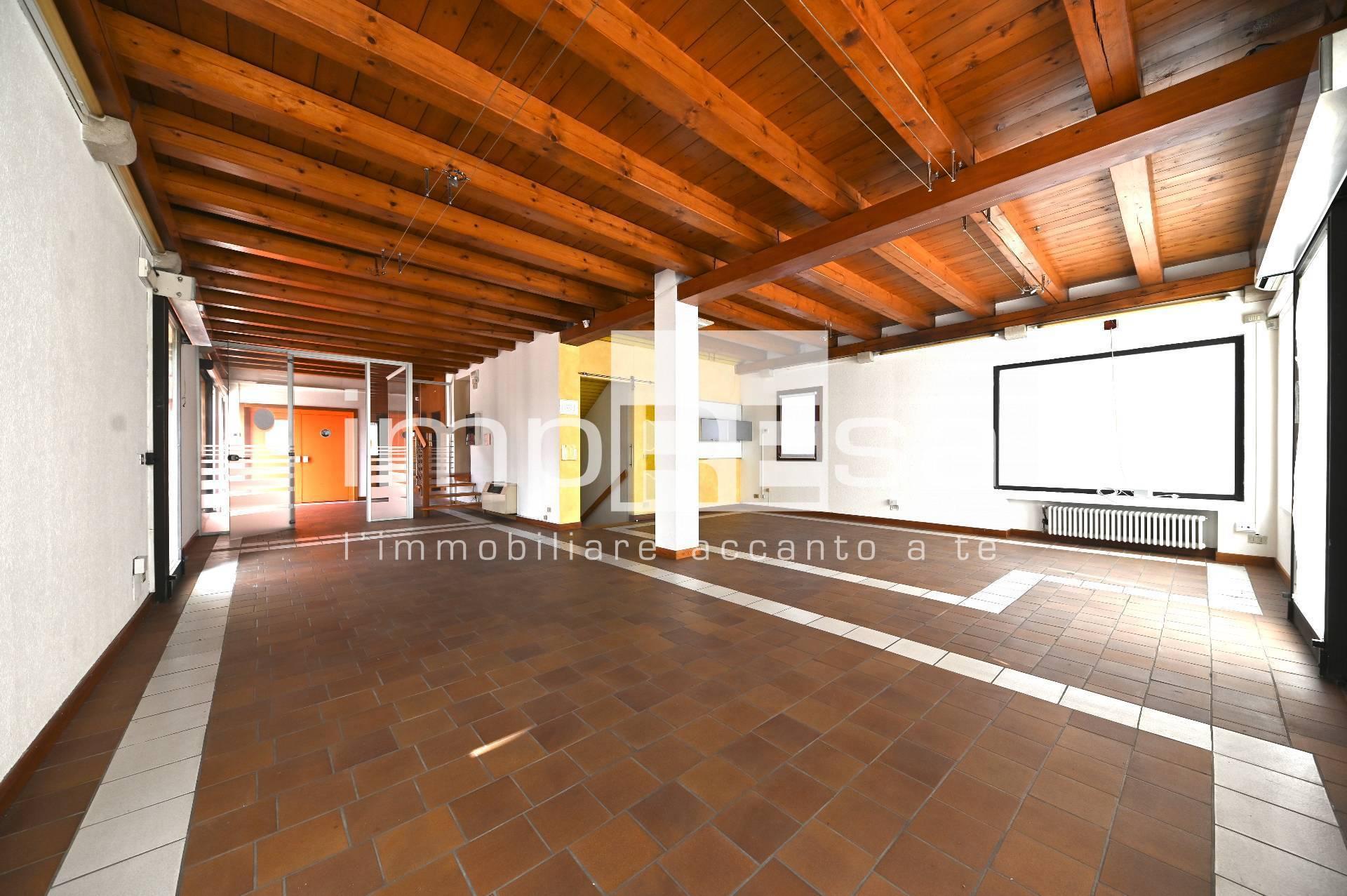 Negozio / Locale in vendita a Preganziol, 9999 locali, prezzo € 450.000 | CambioCasa.it
