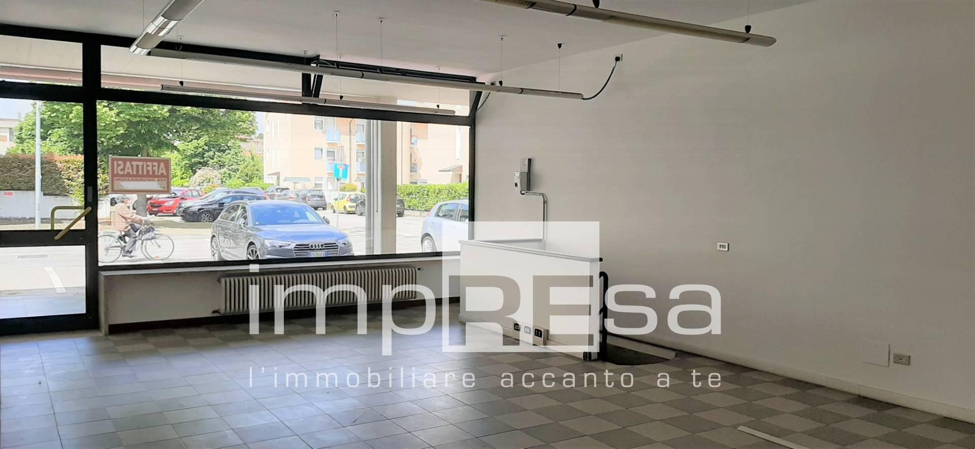 Negozio / Locale in affitto a Preganziol, 9999 locali, zona Località: Centro, prezzo € 750 | CambioCasa.it