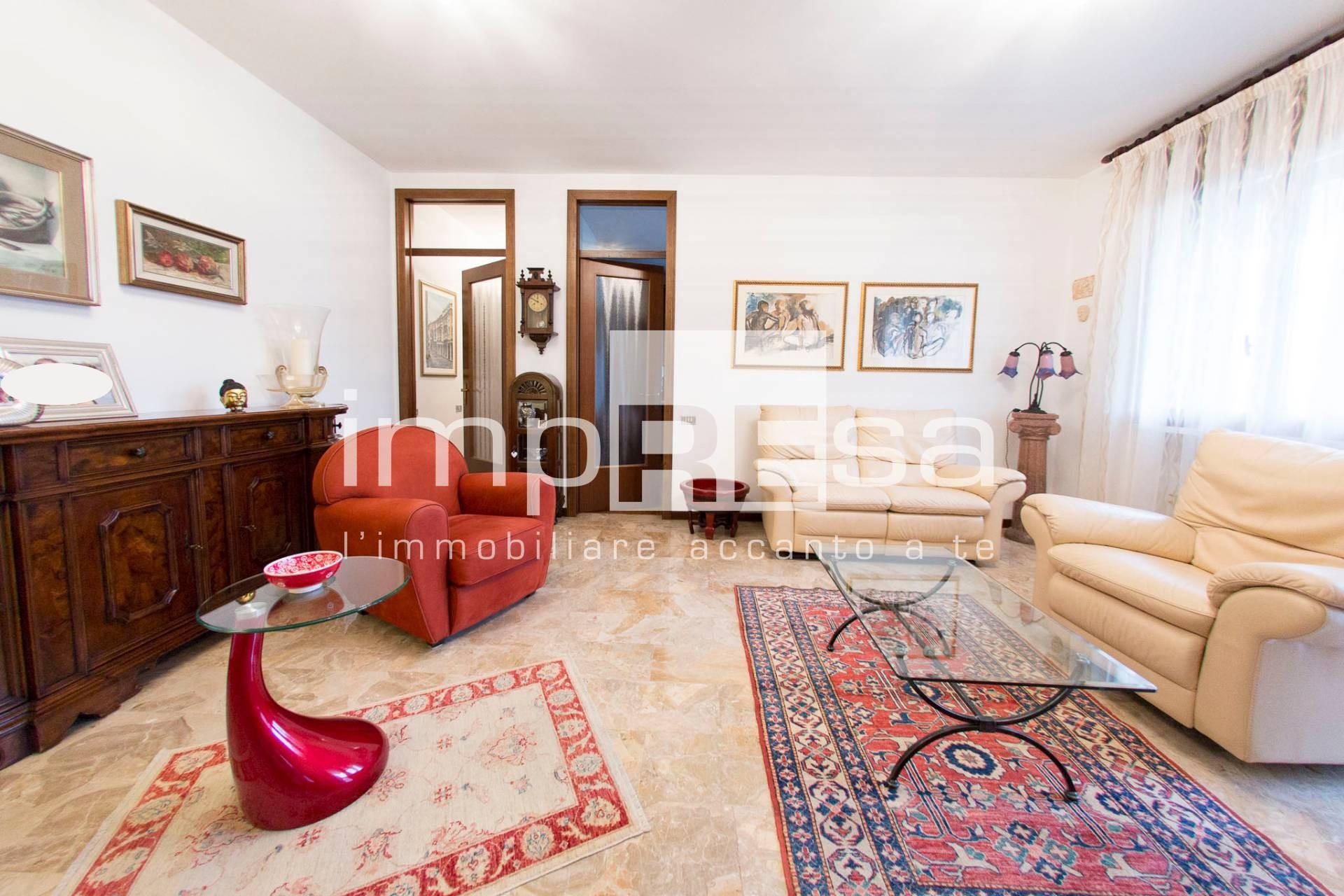 Appartamento in vendita a Quinto di Treviso, 6 locali, zona Località: Quinto, prezzo € 118.000 | CambioCasa.it