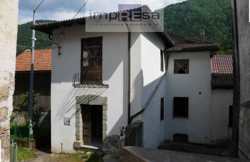 Abbinata/Bifamiliare in Vendita a Paularo