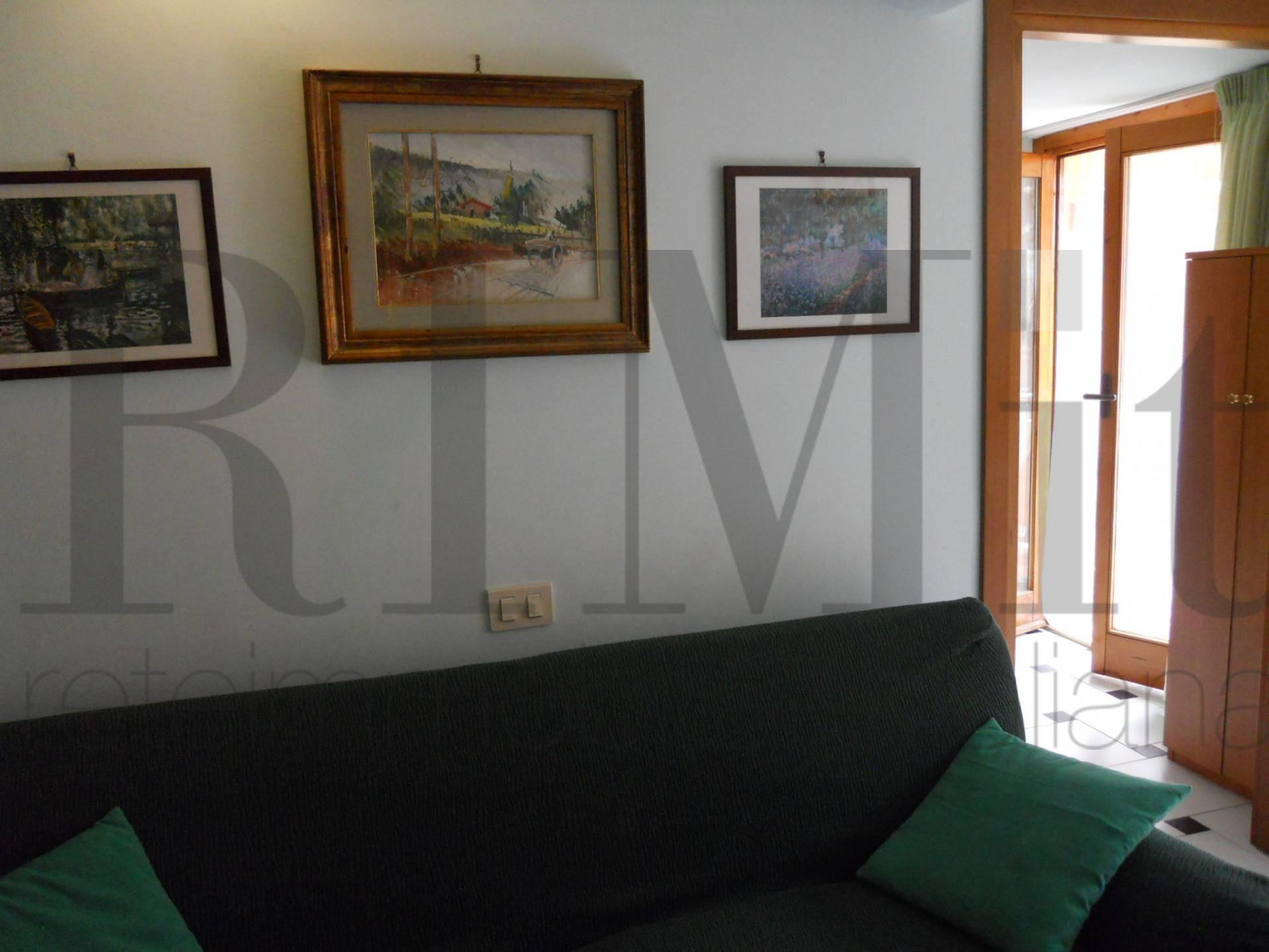 Appartamento in vendita a Loano, 2 locali, zona Località: ZonaOlivette, prezzo € 180.000 | CambioCasa.it