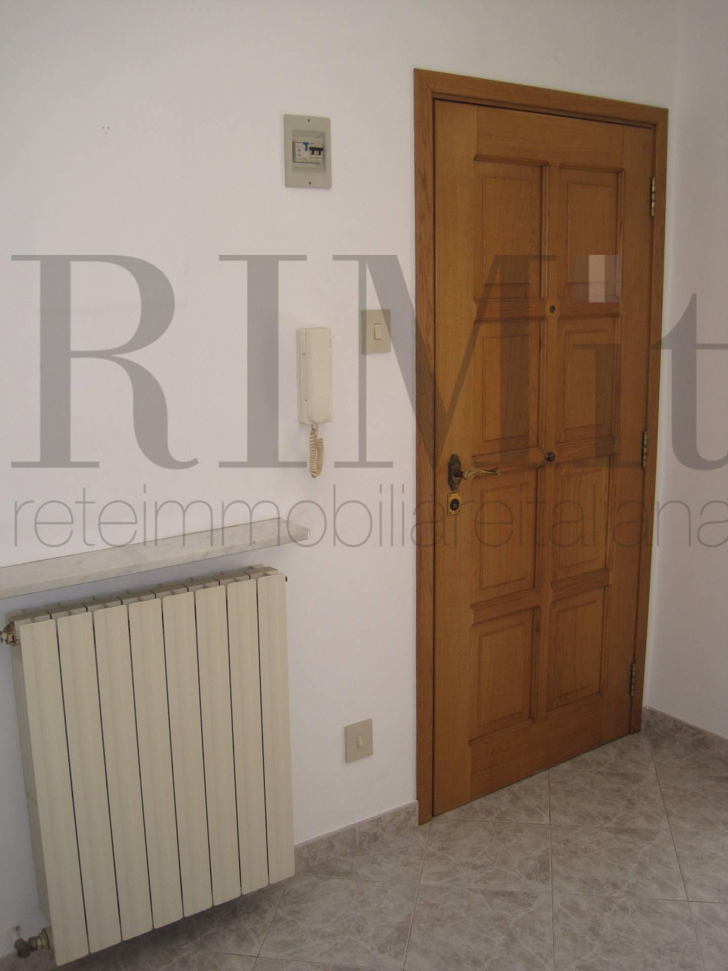 Bilocale Genova Via Delle Fabbriche 3