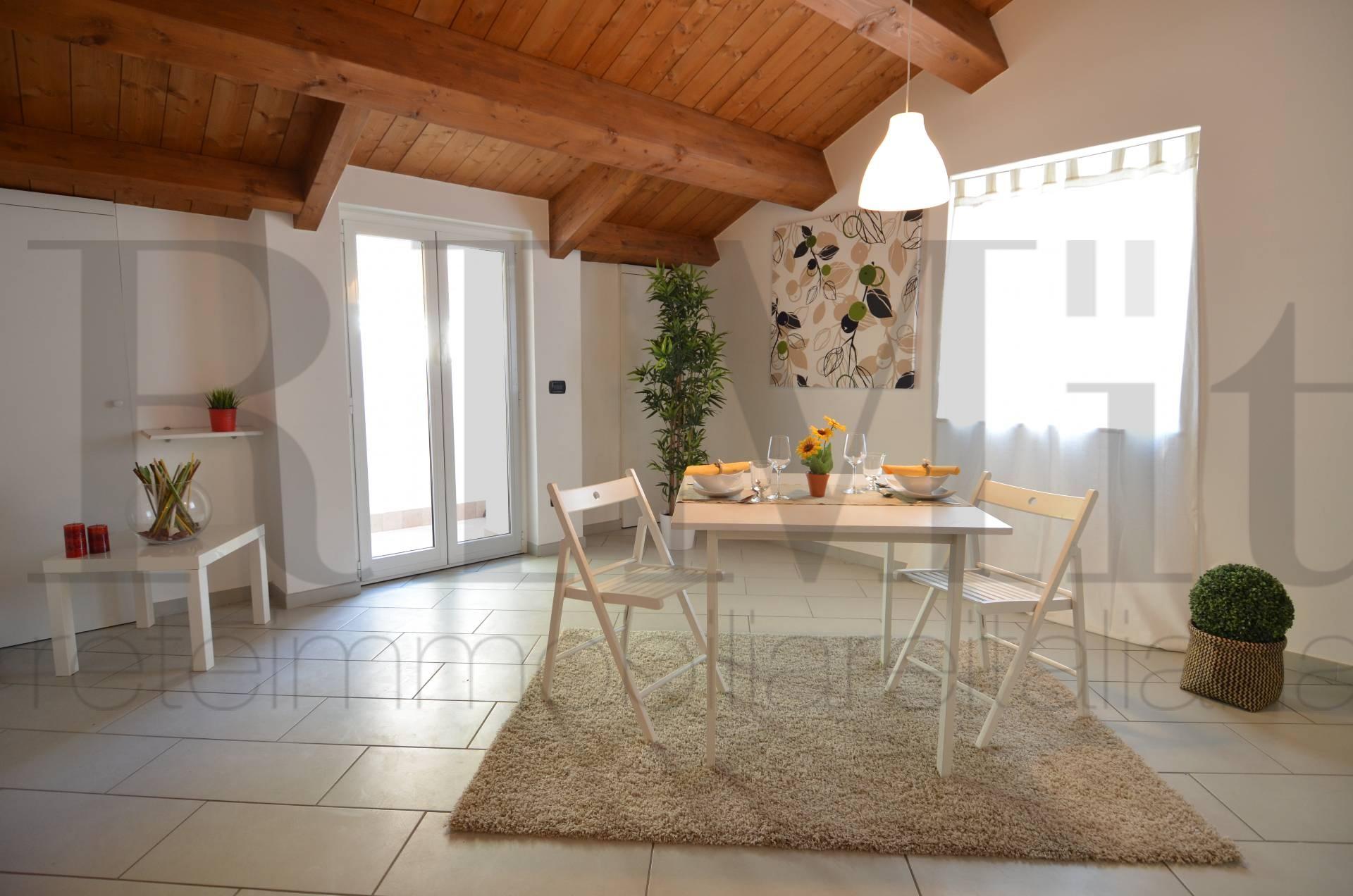 Appartamento in vendita a Deiva Marina, 3 locali, prezzo € 255.000 | Cambio Casa.it