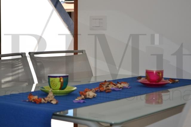 Appartamento in vendita a Loano, 2 locali, zona Località: ZonaPoste, prezzo € 250.000 | CambioCasa.it