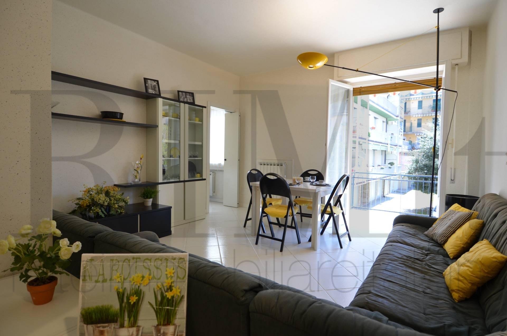 Appartamento in vendita a Deiva Marina, 4 locali, prezzo € 295.000 | CambioCasa.it