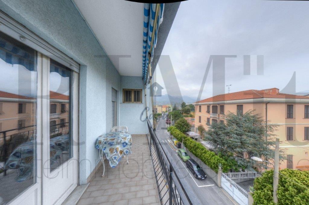 Appartamento in vendita a Loano, 2 locali, prezzo € 160.000 | CambioCasa.it