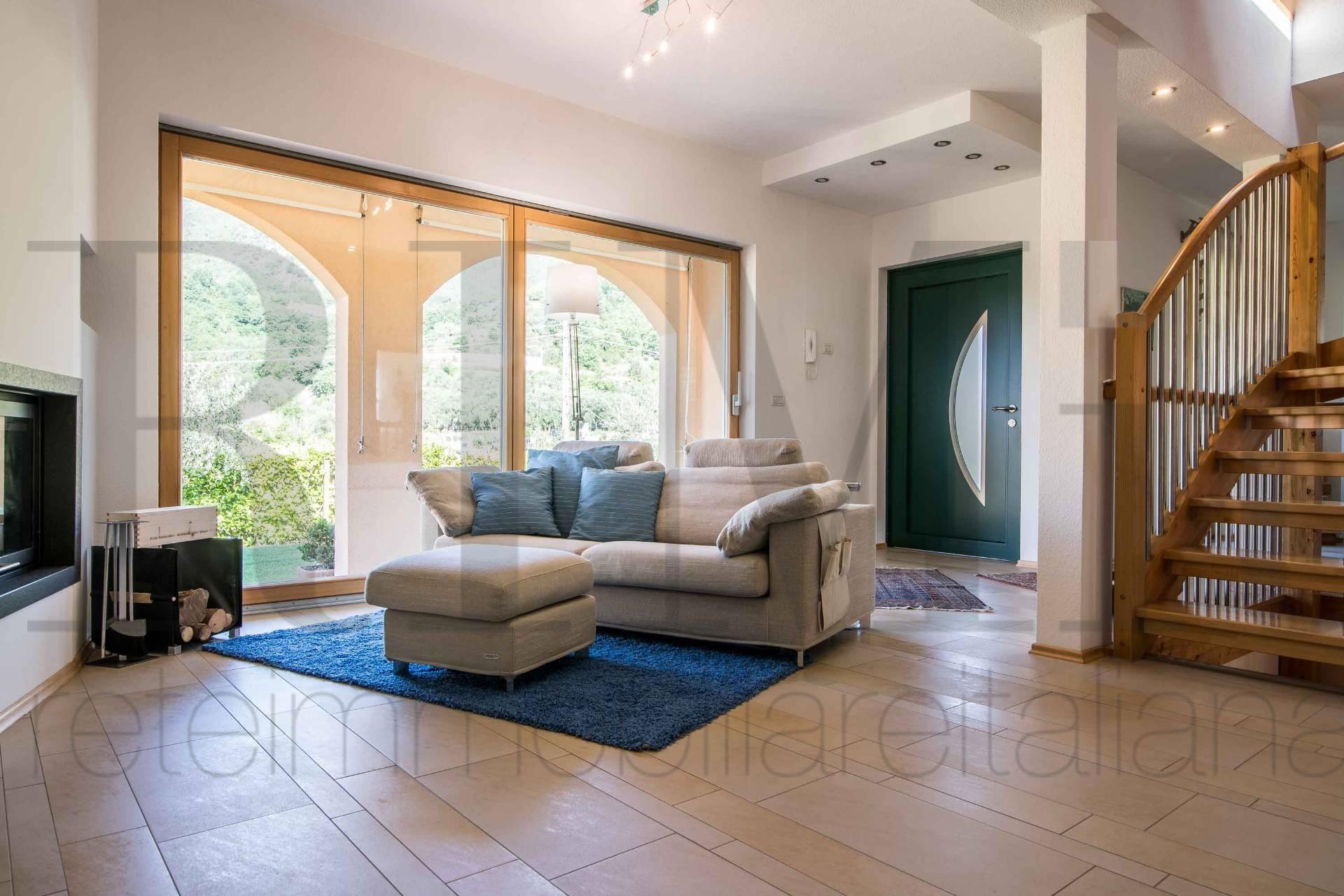 Villa in vendita a Loano, 6 locali, zona Zona: Verzi, prezzo € 575.000 | CambioCasa.it