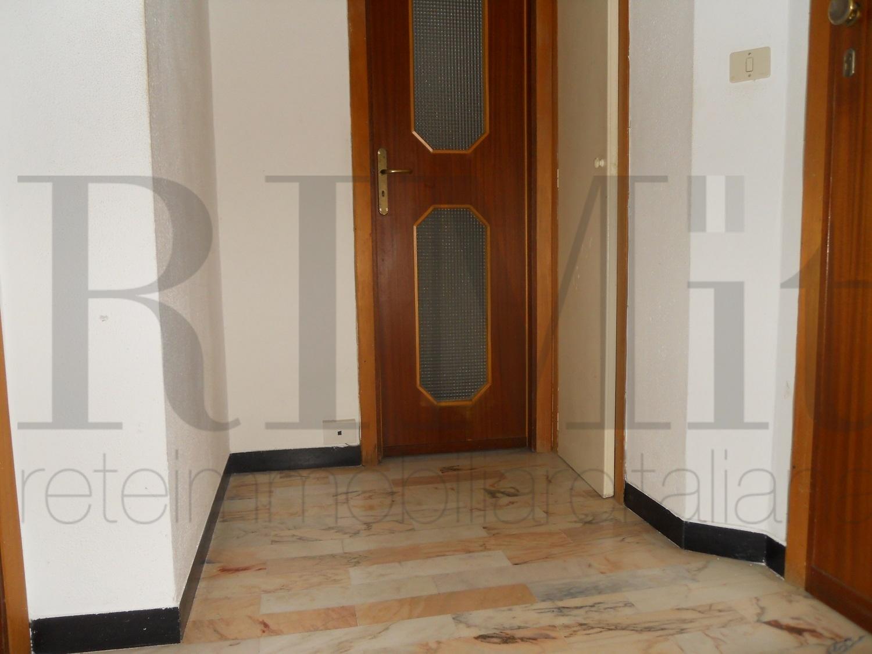 Appartamento in vendita a Loano, 2 locali, prezzo € 120.000 | CambioCasa.it