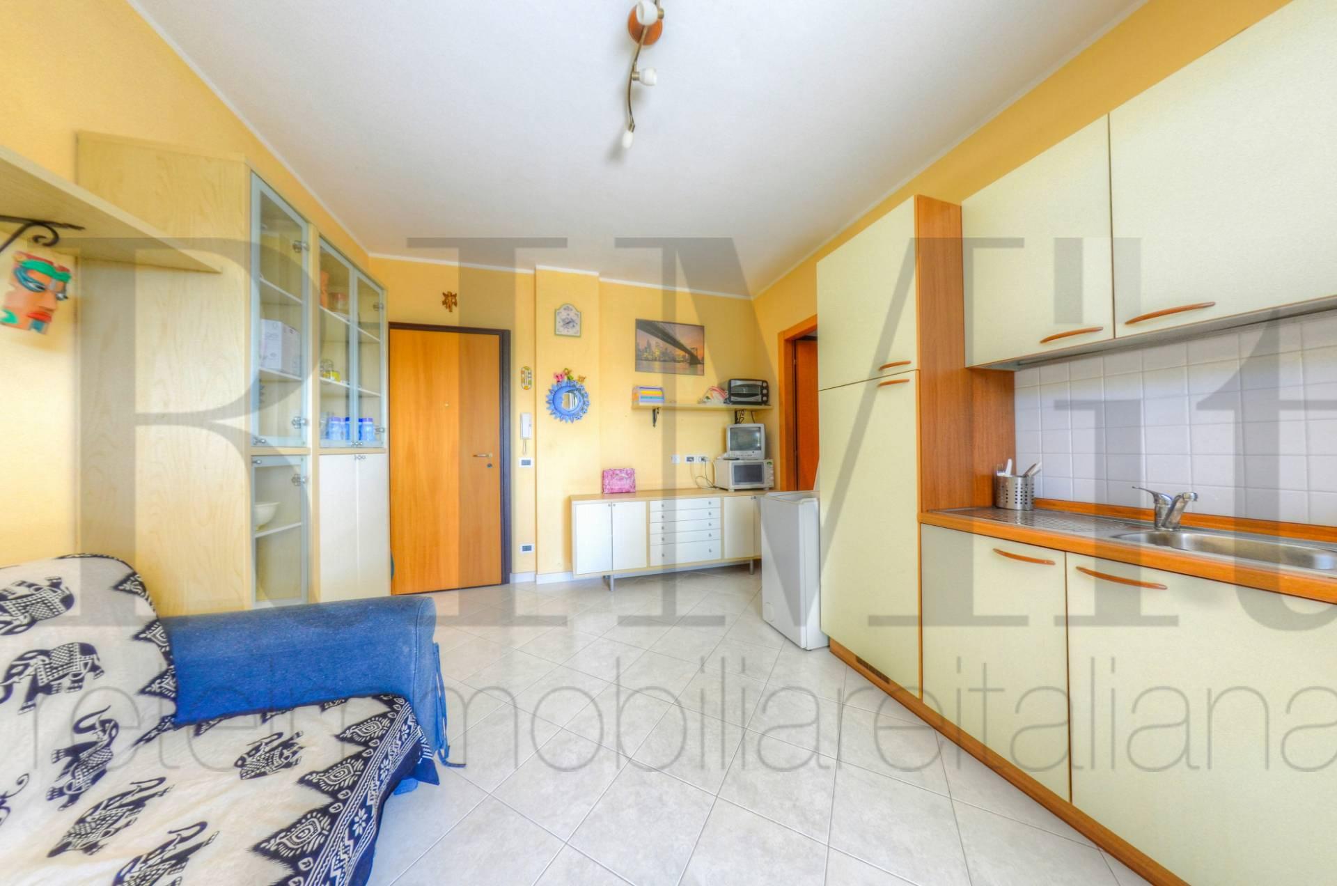 Appartamento in vendita a Loano, 2 locali, prezzo € 142.000 | CambioCasa.it