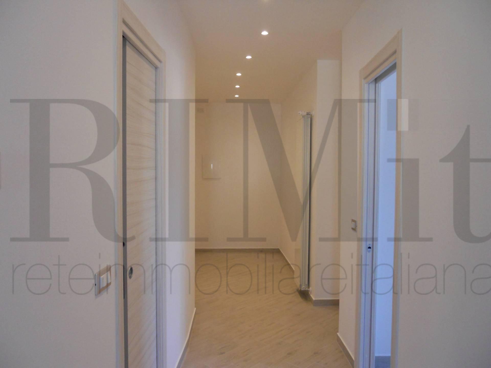 Appartamento in vendita a Loano, 3 locali, prezzo € 380.000 | CambioCasa.it