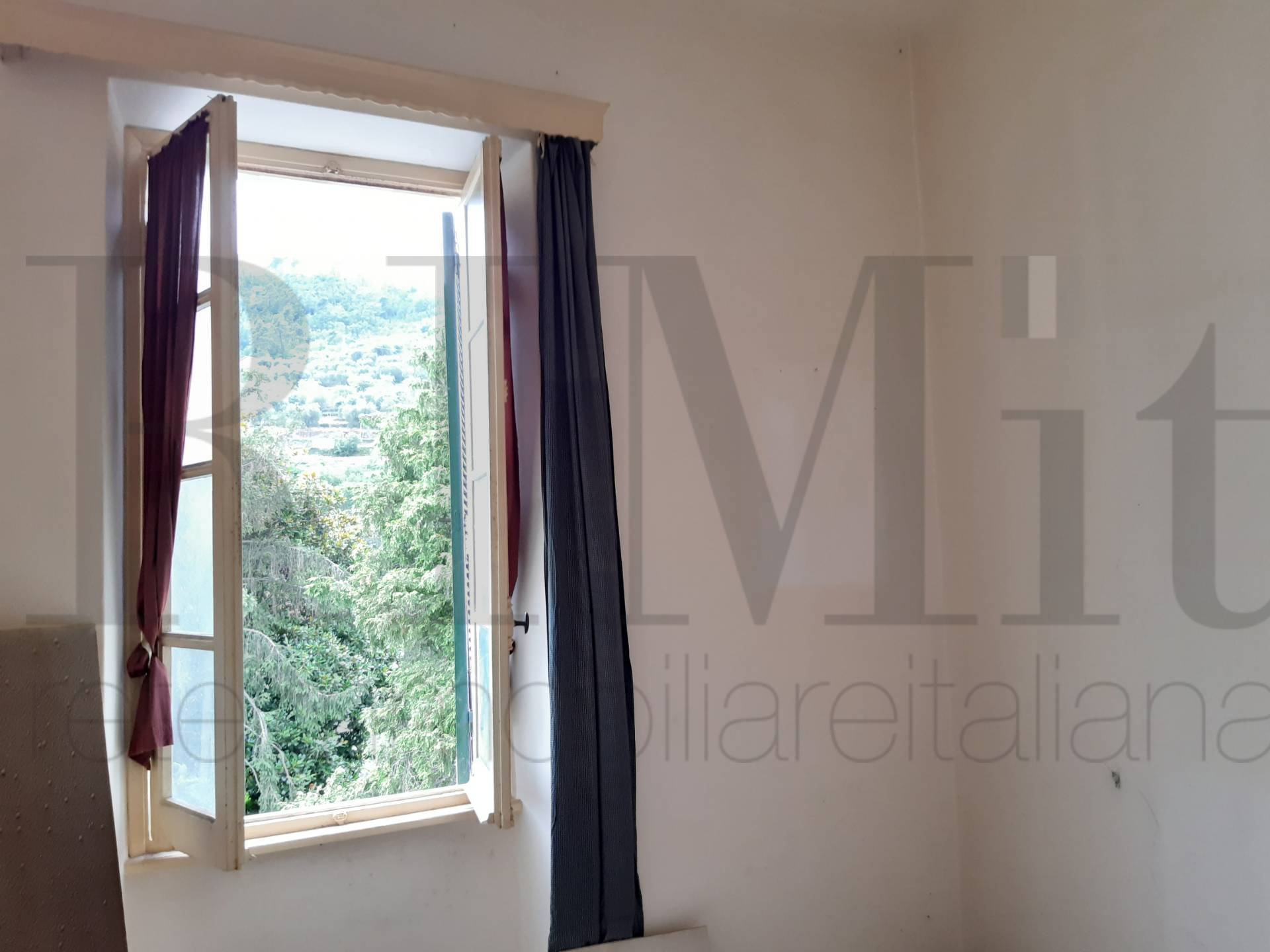 Appartamento in vendita a Calice Ligure, 3 locali, prezzo € 90.000 | CambioCasa.it