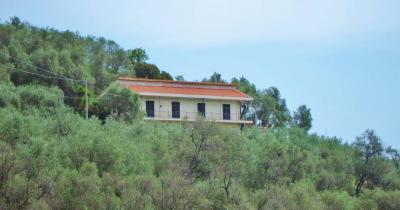 Casa singola in Vendita a Pietrabruna