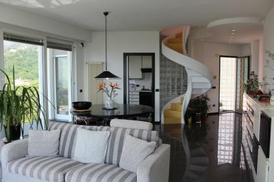 Villa in Vendita a Loano