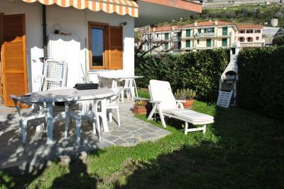 Appartamento in Vendita a Costarainera