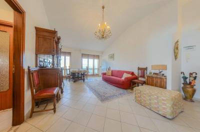 Vai alla scheda: Appartamento Vendita - Loano (SV) - Codice LOA 2863T