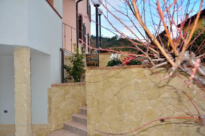 Villa in Vendita a Pietra Ligure