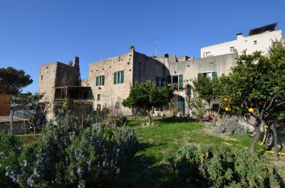Casa semindipendente in Vendita a Borgio Verezzi