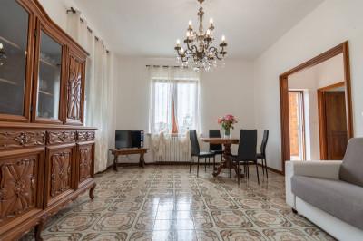 Vai alla scheda: Villa singola Affitto - Stella (SV) - Codice STA208A