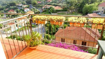 Vai alla scheda: Appartamento Vendita - San Bartolomeo al Mare (IM) | Pairola - Codice LOA 0639B