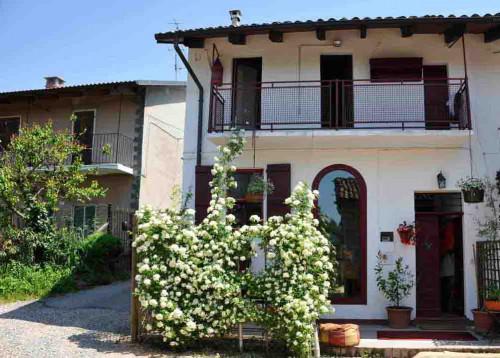 Casa semindipendente in Vendita a Camino (AL)