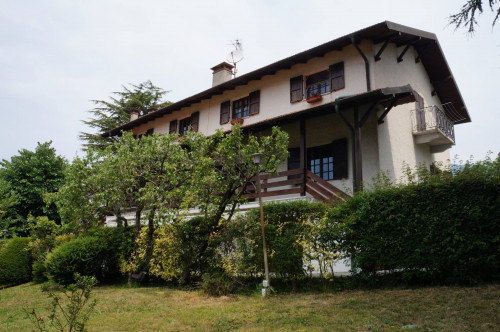 Casa singola - Indipendente in Vendita