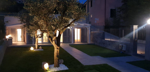 Villa in Vendita a Finale Ligure