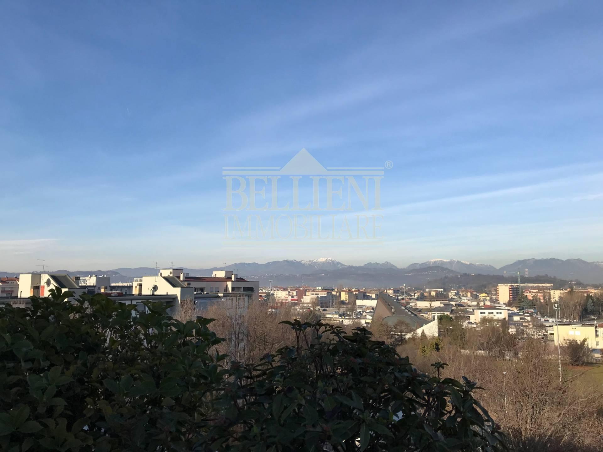 Ufficio Postale Mercato Nuovo Vicenza : Attico in vendita a vicenza cod a