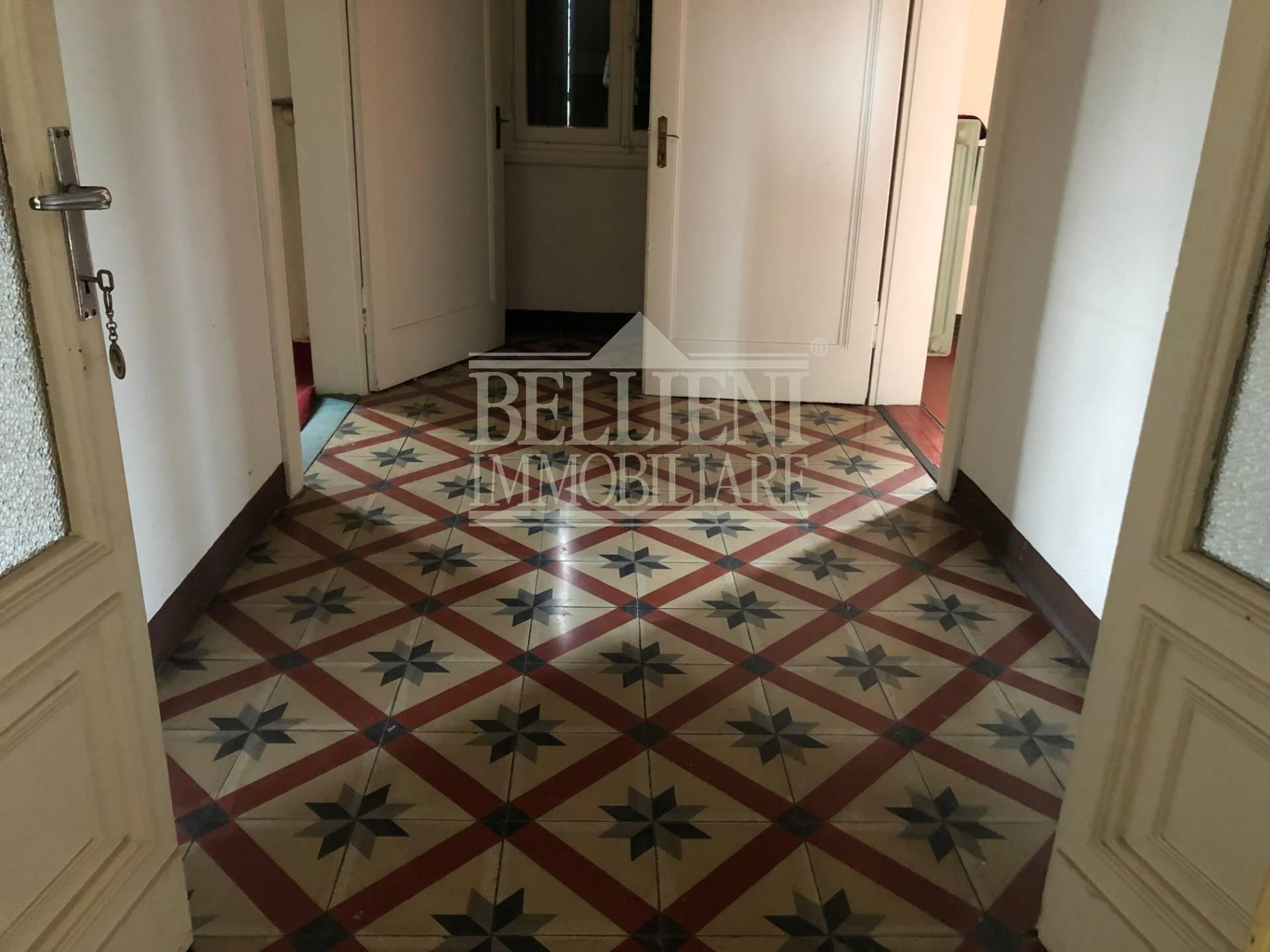 Villa in vendita a Vicenza, 12 locali, zona Località: PortaLupia-Eretenia-SsApostoli-SanSilvestro, prezzo € 165.000   CambioCasa.it