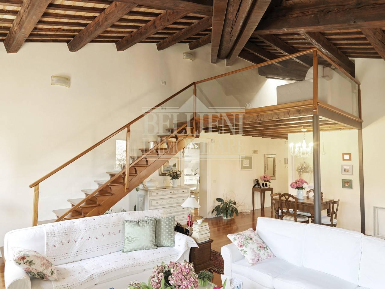 Attico / Mansarda in vendita a Vicenza, 6 locali, zona Località: Centrostorico, Trattative riservate | PortaleAgenzieImmobiliari.it