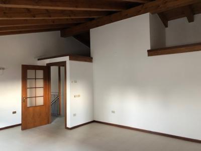 Casa Singola in Affitto a Castegnero