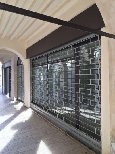 Locale commerciale in Affitto/Vendita a Vicenza