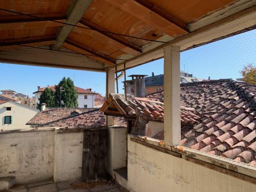 Tricamere vuoto in Vendita a Vicenza